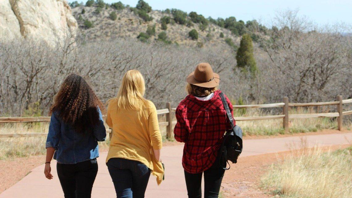 Comment bien planifier un séjour avec des amis ?