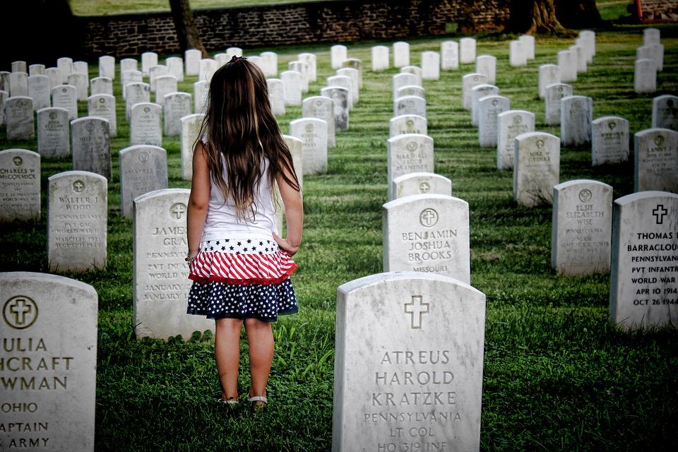 Les avantages d'acheter des monuments funéraires en ligne