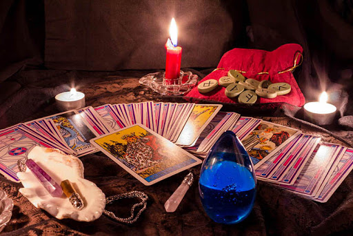 Qu'est-ce que le tarot divinatoire ?