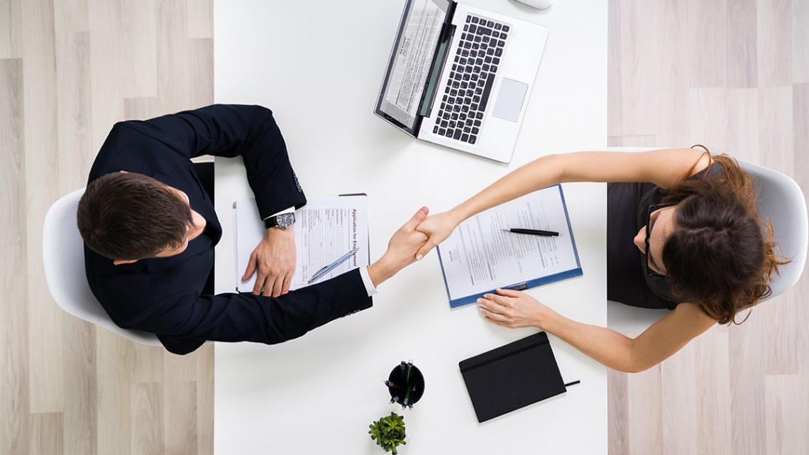 Les cabinets de recrutement peuvent aussi aider les demandeurs d'emploi