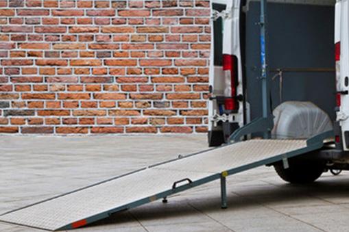 Installer une rampe de chargement pour camionnette : ce qu'il faut savoir